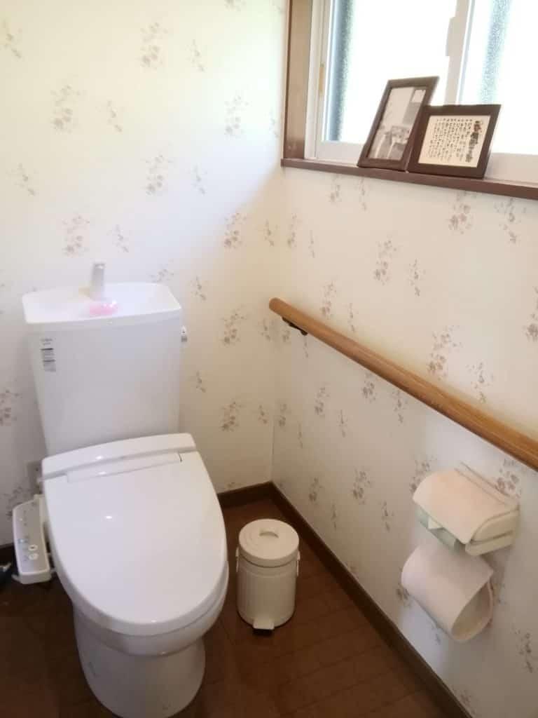 白を基調とした清潔感あるお手洗い